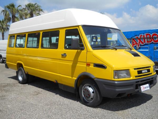 Iveco daily 28 posti scuolabus for Cerco armadio usato milano
