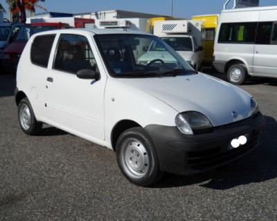 600 VAN BENZINA Anno 2002, Euro 2, benzina, idroguida - 1