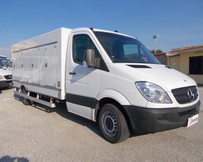 Camioncino refrigerato usato con 8 sportellini  - 1